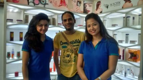 Ritwick Chakraborty with co-actors at Be Bonnie